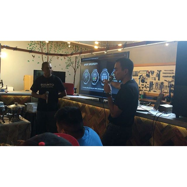 New Suunto Spartan watch features are being discussed by very accomplished and experienced tri coaches, Andy Leuterio and @igelopez here at @maximusathletesshopcafe . Very excited to see how this watch helps athletes conquer new territory !!! @suunto @sparta_ph