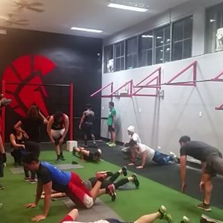 8pm Sthenos class is lit!  every weekday at Sparta Calisthenics Academy! 126 Pioneer Street Mandaluyong :)